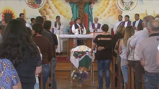 Prefeito reeleito de Campo Belo do Sul, morto em acidente, é sepultado