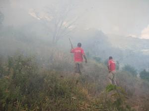 Incêndio foi controlado por volta das 18h desta quinta (Foto: Rodrigo Tavares)
