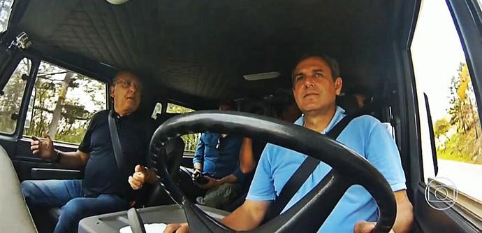 Galvão Bueno e José Roberto Guimarães na boleia do caminhão (Foto: Reprodução TV Globo)