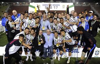 Após escândalo na base, presidente do Corinthians avalia saídas na direção