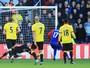 Gomes defende pênalti, e Watford empata em casa com Crystal Palace