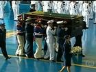 Restos mortais de Jango chegam a Brasília com honras militares