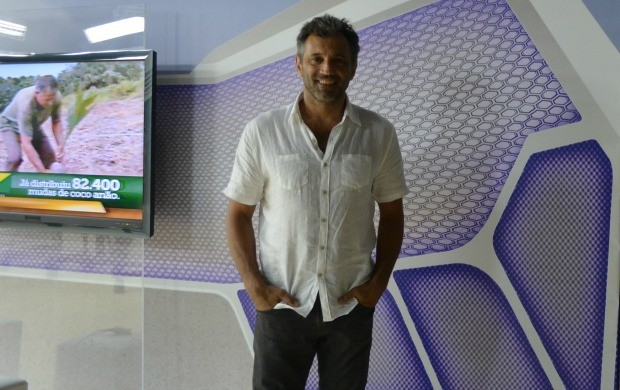 O ator Domingos foi entrevistado no Acre TV deste sábado (25) (Foto: Thiago Cabral)