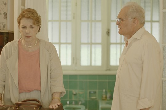 Suzana Faini e Othon Bastos em cena de 'Bodas': filme foi selecionado para mostra paralela do Festival de Cannes (Foto: Divulgação)