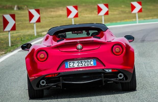Alfa Romeo 4C (Foto: Divulgação)