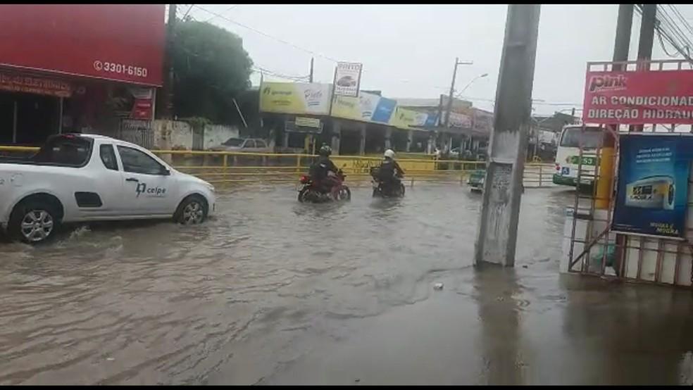 Alagamentos no Recife (Foto: Reprodução/WhatsApp)