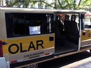 Vans escolares fazem transporte para diversas regiões da cidade (Foto: Caetanno Freitas/G1)