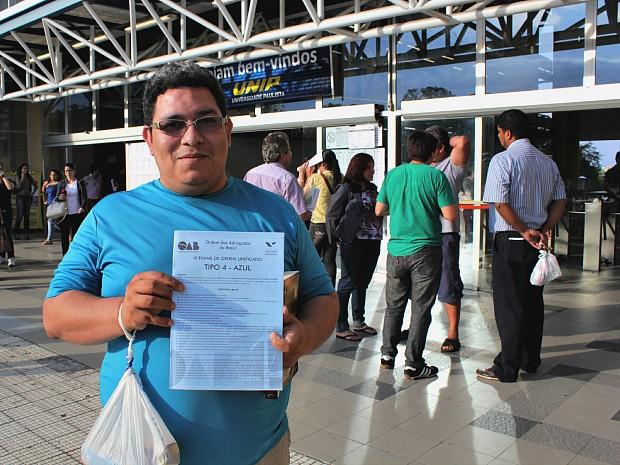 Cristiano Ribeiro, de 27 anos, que presta o exame pela 4ª vez consecutiva (Foto: Tiago Melo/G1 AM)