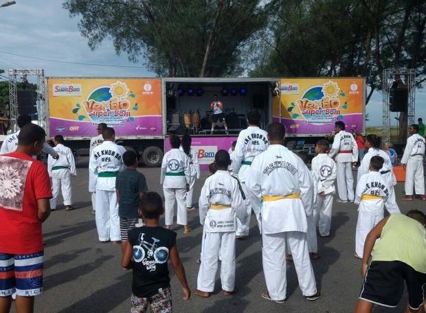 Aulas de esporte fazem parte da programação (Foto: Cléber Rodrigues / Inter TV)