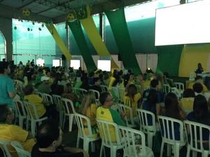 Evento em São Paulo reuniu 700 pessoas para demonstração de eletrônicos durante Brasil x México (Foto: G1)