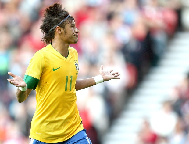 Neymar gol amistoso do Brasil x Grã-Bretanha (Foto: Mowa Press)