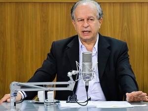 Renato Janine Ribeiro, ministro da Educação, durante o programa 'Bom Dia Ministro' (Foto: Antonio Cruz/Agência Brasil)
