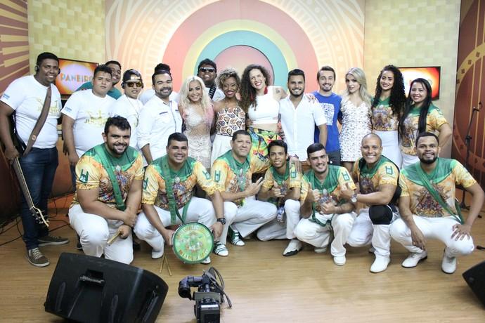 Último 'Paneiro' de 2016 entrou no clima do 'Show da Virada' (Foto: Katiúscia Monteiro/ Rede Amazônica)