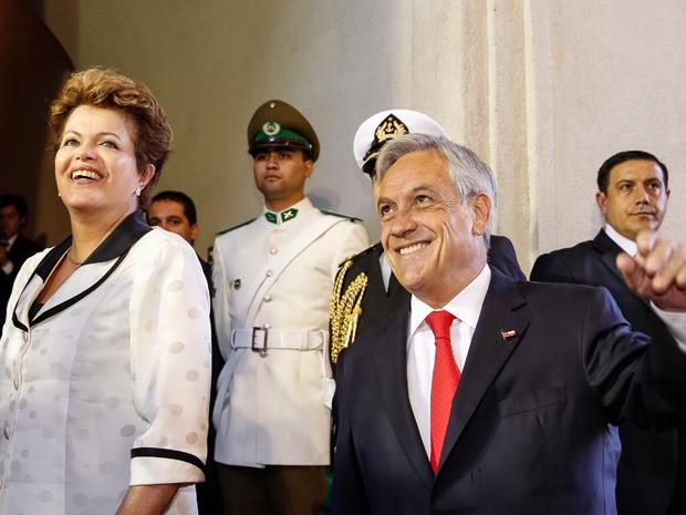Dilma ao lado do presidente chileno, Sebastián Piñera, após café da manhã de trabalho (Foto: Roberto Stuckert Filho / Presidência)