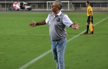 """""""Nós que fizemos as dificuldades"""", diz técnico do Rio Branco-ES, após 0 a 0"""