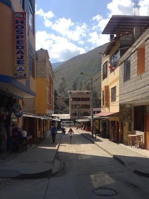 Rua em Santa Teresa, no Peru (Foto: Felipe Paschoali/Reprodução)