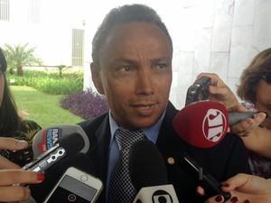 O líder do PT na Câmara, Sibá Machado (AC), participou de reunião para discutir o projeto que regulamenta a terceirização (Foto: Filipe Matoso/G1)
