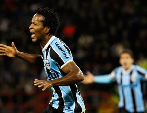 Zé roberto gol Grêmio (Foto: AP)
