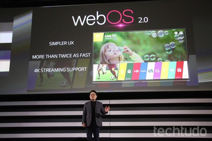 Todos os modelos de TV da LG mostrados na CES 2015 contam com sistema WebOS 2.0 (Foto: Fabrício Vitorino/TechTudo)