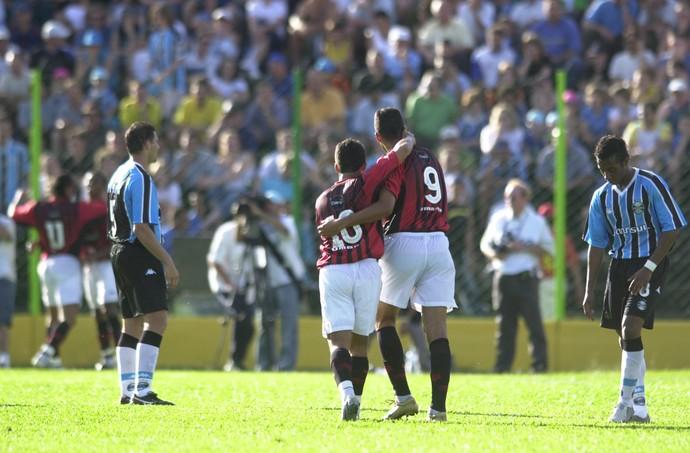 grêmio atlético-pr 2004 rebaixamento erechim (Foto: José Doval/Agência RBS)