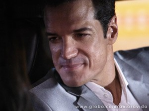 Que fica caidinho pela filha de Márcia (Foto: Amor à Vida / TV Globo)