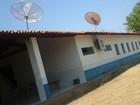Escola pública é roubada e bandidos fazem vigia refém em José de Freitas