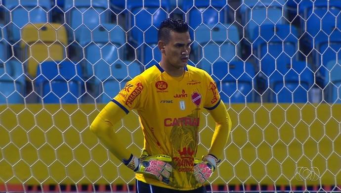 Saulo, goleiro do Vila Nova (Foto: Reprodução/TV Anhanguera)