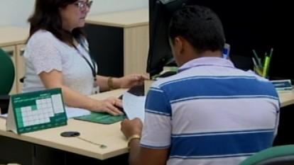 Educador financeiro dá dicas sobre o uso do 13º salário em Divinópolis