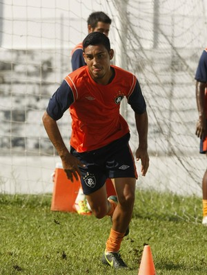 Alex Juan pode continuar na lateral-esquerda do Remo (Foto: Marcelo Seabra/O Liberal)