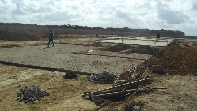 Neste primeiro espaço está sendo construído o departamento de fisioterapia do Ninho do Galo (Foto: Denison Roma/GloboEsporte.com)