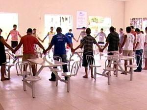 Casas de apoio a dependentes precisam se reestruturar (Foto: reprodução/TV Integração)