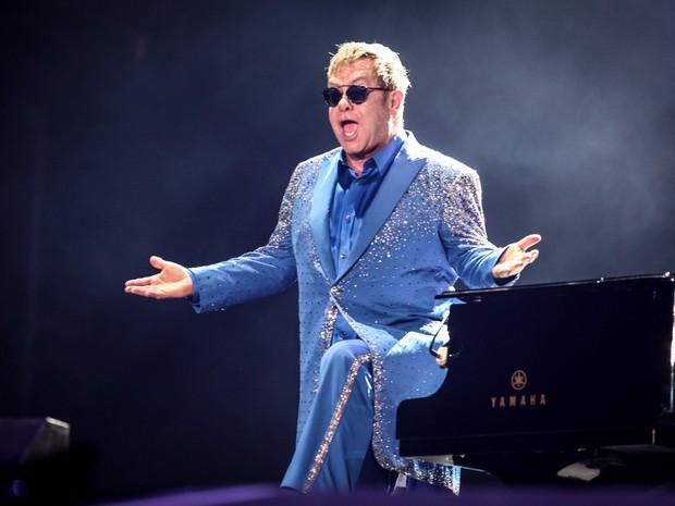 Elton John toca seu piano durante sua apresentação no Palco Mundo, no Rock in Rio 2015 (Foto: Fabio Tito/G1)