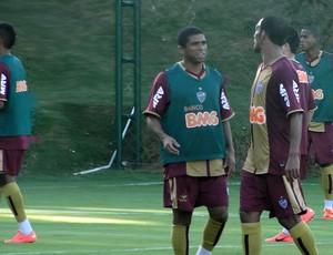 Junior Cesar do Atlético-MG (Foto: Fernando Martins)