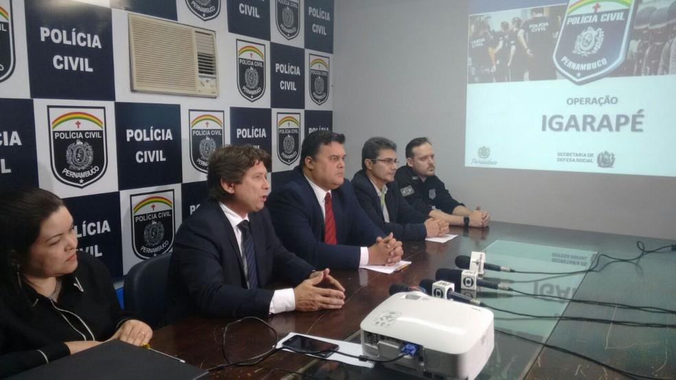 Polícia informou que duas adutoras foram usadas no furto (Foto: Joalline Nascimento/G1)