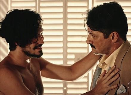 Carlos tenta 'envenenar' Miguel