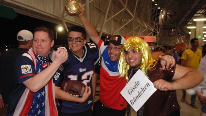 Irmão fizeram a festa dos torcedores americanos na Arena das Dunas (Foto: Edmo Nathan/Arquivo Pessoal)