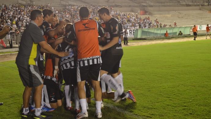 comemora gol, Botafogo-PB x Sousa, classificação (Foto: Hévilla Wanderley / GloboEsporte.com/pb)