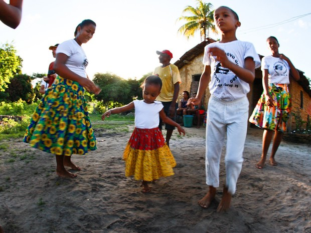 Roda de coco na comunidade Ipiranga, no Conde, litoral sul da Paraíba (Foto: Naty Torres / Sebrae-PB)