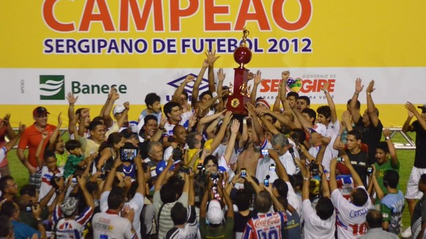 Itabaiana campeão Sergipano 2012 (Foto: João Áquila/GLOBOESPORTE.COM)