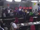 Servidores municipais de Bauru protestam na Câmara
