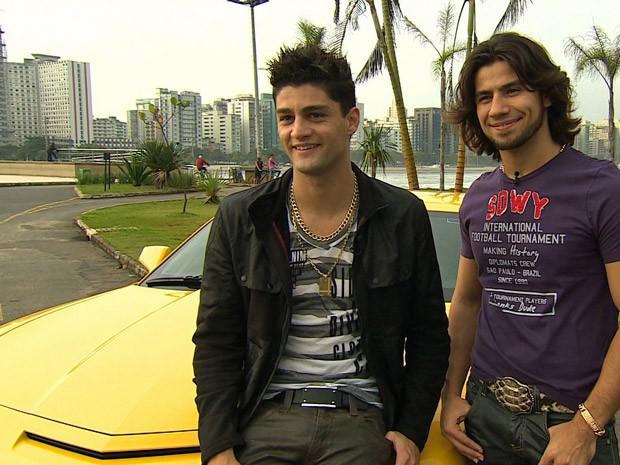 dupla do camaro amarelo no programa autoesporte (Foto: Reprodução/AutoEsporte TV)