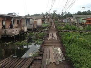Família mora em uma área de periferia, no bairro Congós, Zona Sul da cidade (Foto: Dyepeson Martins/G1)