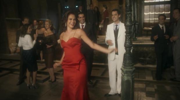 Cenas quentes de Bruna Marquezine em Nada Será Como Antes fazem sucesso na web (Foto: Reprodução Globo)