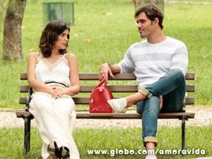 O que Aline e Ninho estão tramando desta vez? (Foto: Felipe Monteiro/TV Globo)