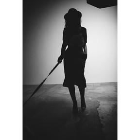 Bruna Marquezine em bastidores de ensaio (Foto: Instagram/ Reprodução)