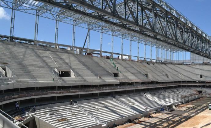 Dezembro: obras na Arena da Baixada, estádio do Atlético-PR (Foto: Site oficial do Atlético-PR/Divulgação)