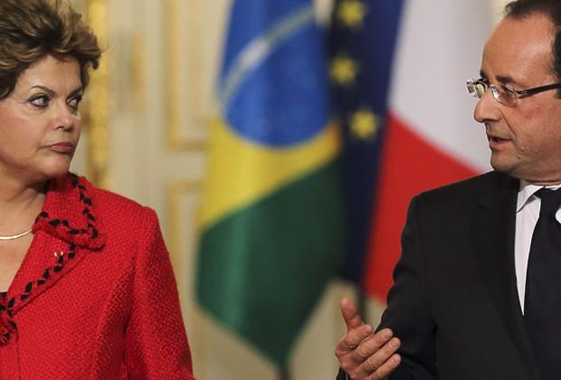 Dilma e o presidente francês François Hollande durante entrevista no Palácio do Eliseu, em Paris (Foto: Reuters)