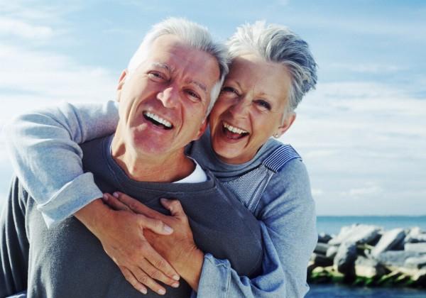 Saúde mental: para pesquisadores da Universidade da Califórnia, pessoas são mais felizes com o avanço da idade (Foto: Thinkstock)
