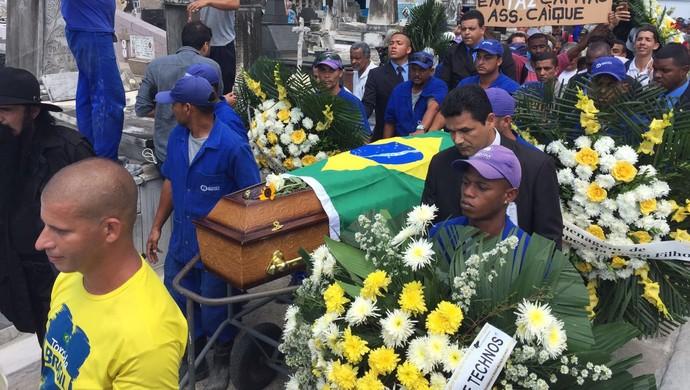 Carlos Alberto Torres enterro cemitério Irajá (Foto: Felippe Costa)