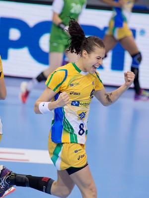Fernanda seleção handebol brasil x argélia mundial (Foto: Divulgação/CBHB)